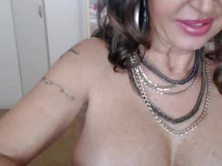 Horny Mature MILF Squirts On Webcam Part 1